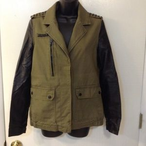 FOREVER 21 OLIVE GREEN JACKET W/ FAUX  SLEEVES